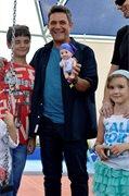 Alejandro Sanz con el Baby Pelones