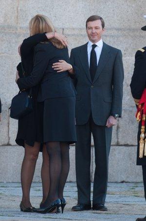 Cristina de Borbón y Victoria de Borbón Dos Sicilias se funden en un caluroso abrazo