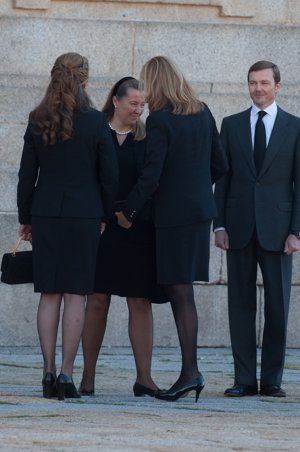 Las infantas dan el pésame a la familia de Don Carlos de Borbón Dos Sicilias