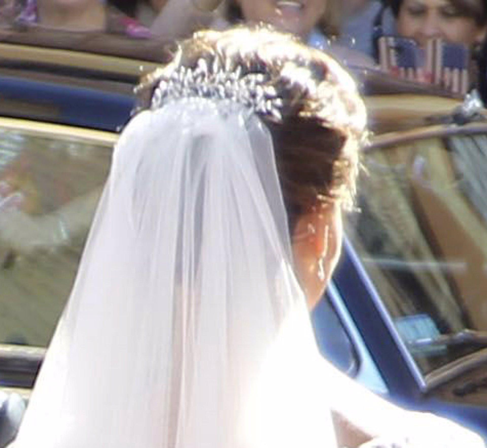 sitio de buena reputación varios colores captura Eva González con su vestido de novia luce una espalda ...