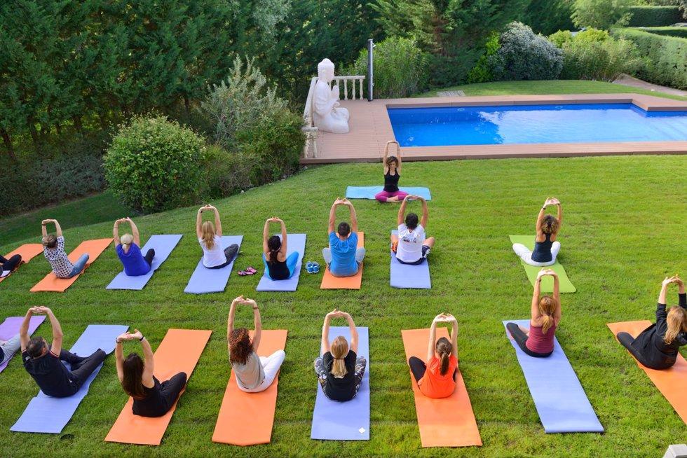 Yoga en el jardín
