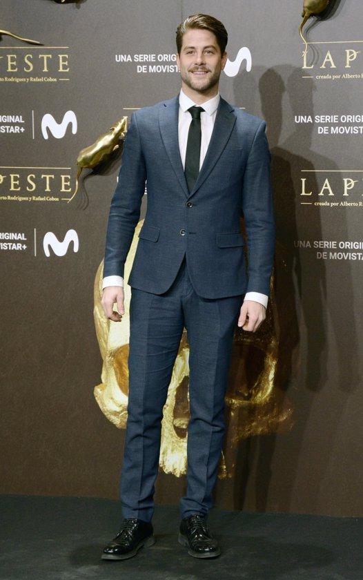 Luis Fernández en el estreno de La Peste