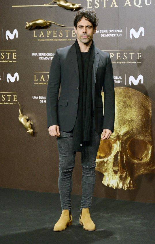 Emmanuel Esparza en el estreno de La Peste