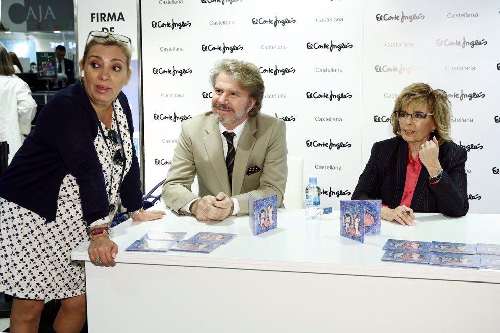 María Teresa Campos y Edmundo Arrocet firman su primer disco juntos arropados por Carmen Borrego