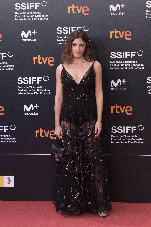 Bárbara Lennie en el festival de San Sebastián con un Dior negro bordado de lentejuelas Fall 2018