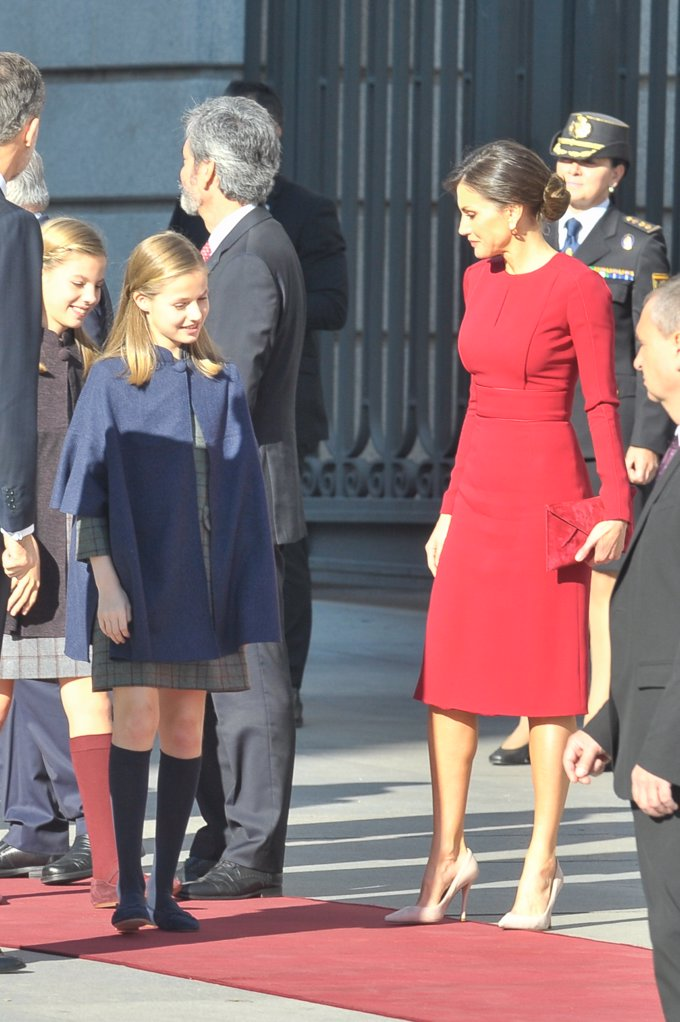 La Princesa Leonor y la Infanta Sofía,de azul y burdeos en el día del 40 aniversario de la Constitución