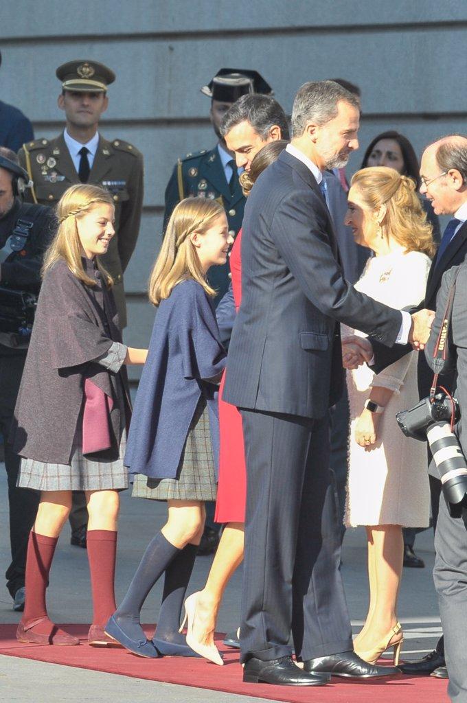 La Princesa Leonor y la Infanta Sofía, vestidas, 'iguales' por primera vez desde hace muchos años