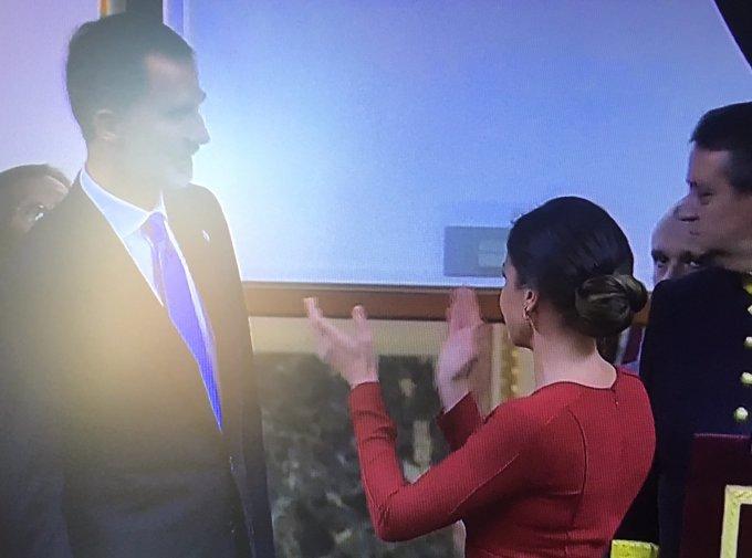 Reina Letizia muy feliz con el Rey Felipe el día de la Constitución