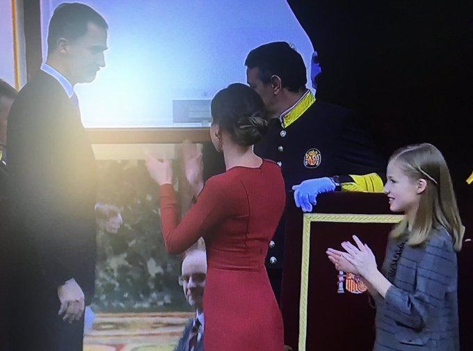 Letizia aplaude mucho al Rey Felipe por su discurso el día del 40 aniversario de la Constitución