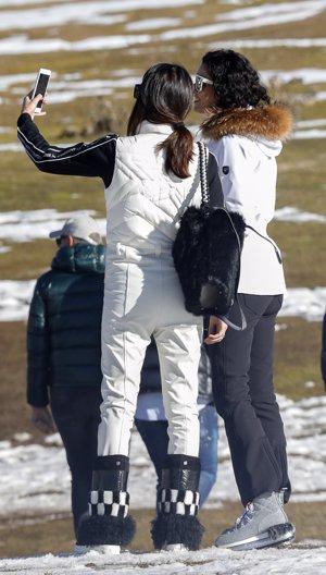Blanca Romero y Lucía Rivera trajes para la nieve