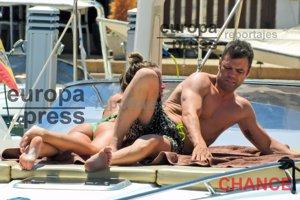 Fonsi Nieto y Marta Castro disfrutan de sus vacaciones en Ibiza