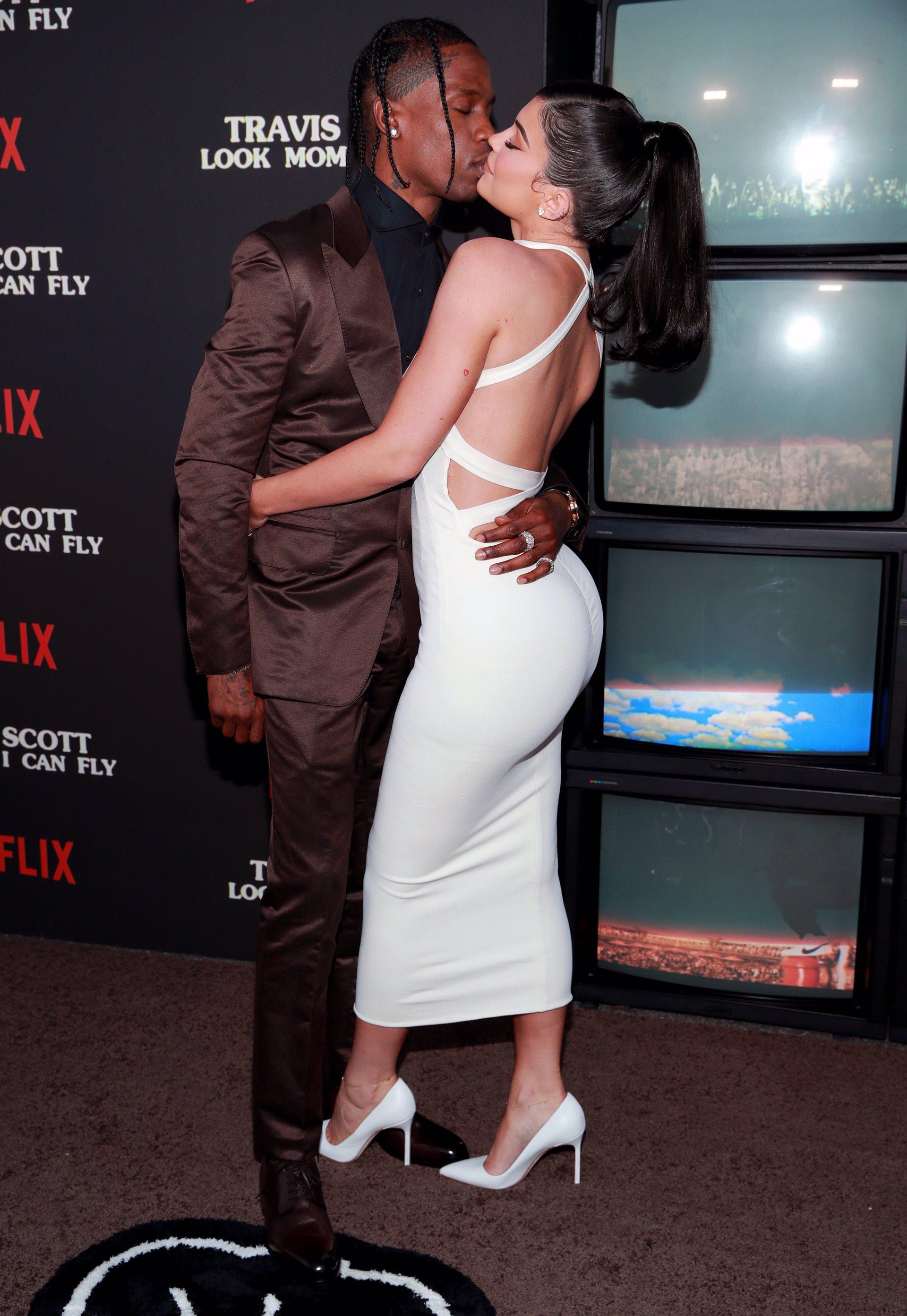 Travis Scott, Stormi Webster y Kylie Jenner en la premiere del documental 'Travis Scott: Look Mom I Can Fly'