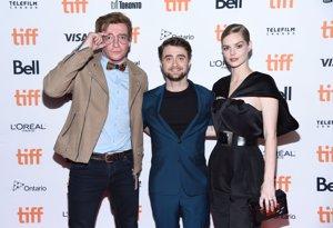 Rhys Darby, Daniel Radcliffe y Samara Weaving en la premiere de 'Guns Akimbo' en el TIFF