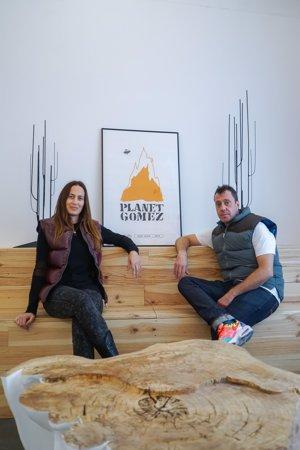 Jose Luis Serrano y Virginia Negral vuelven a fabricar los plumíferos Pedro Gómez con gran cariño y profesionalidad