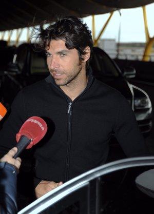 Cayetano Rivera en el aeropuerto