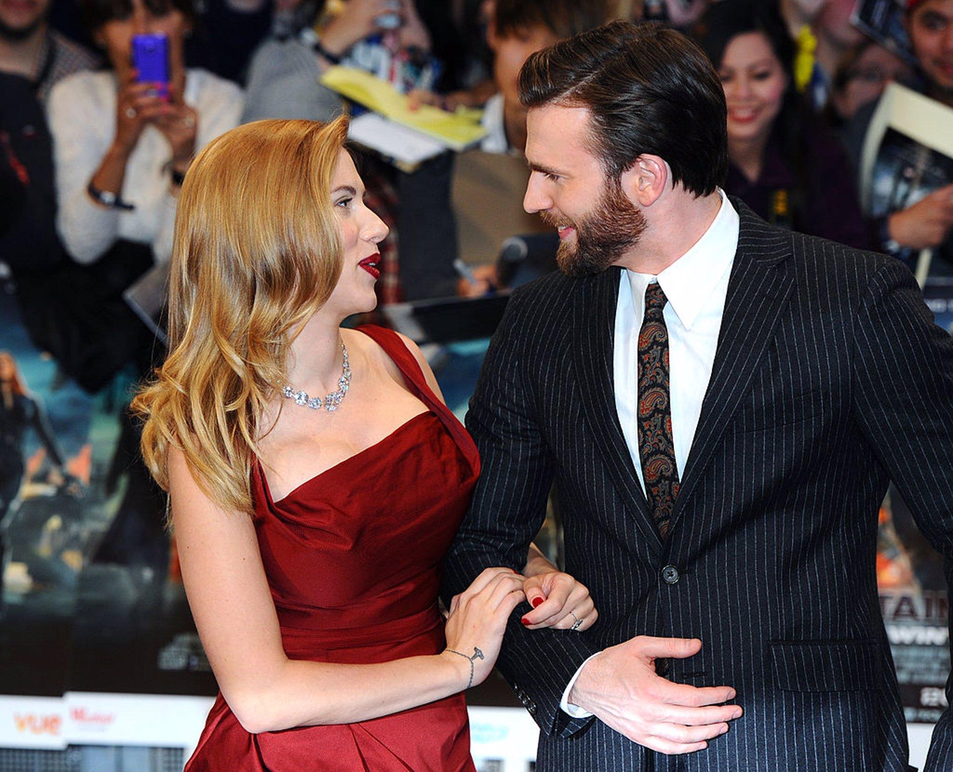 Scarlett Johansson Y Chris Evans Por Que El Mundo Cree Que Deberian Ser Novios