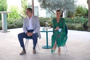 Los Reyes visitan Palma de Mallorca para conocer los protocolos sanitarios de los hoteles