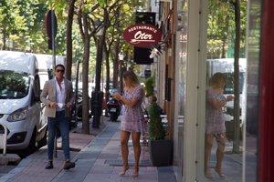 Hugo Sierra e Ivana Icardi pasean su amor por las calles de Madrid