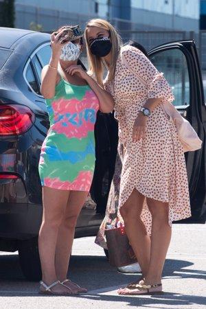 La modelo se acercó a saludar a Isa cuando la vio