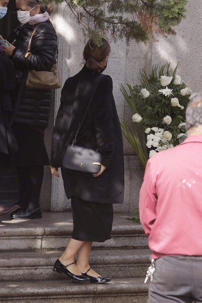 Tamara Falcó en el Cementerio Fernando Falco
