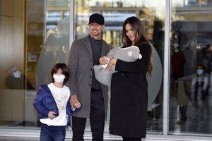 Romina y Guti salen del hospital tras dar la bienvenida a su segundo hijo en común