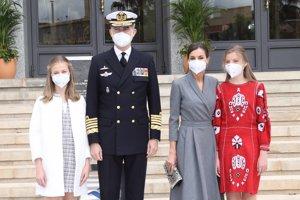 Los Reyes y sus hijas han presidido la botadura del submarino 'Isaac Peral II'