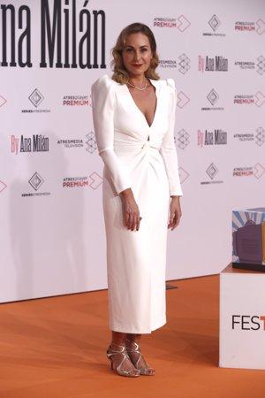 Ana Milán, espectacular con un elegante vestido blanco