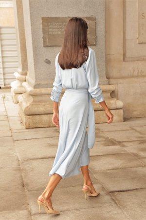 La monarca ha recuperado este delicado vestido de su armario , que ya lució en dos ocasiones anteriores