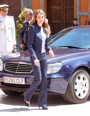 EP: Doña Letizia muy elegante a su llegada al Auditorio Príncipe Felipe de Oviedo