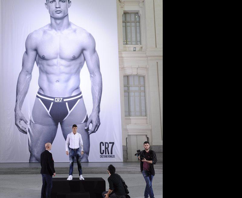 Cristiano ronaldo ha presentado en madrid su propia l nea de ropa interior a lo grande - Ropa interior real madrid ...