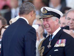 El Príncipe Carlos no puede contener la risa ante las bromas de Obama