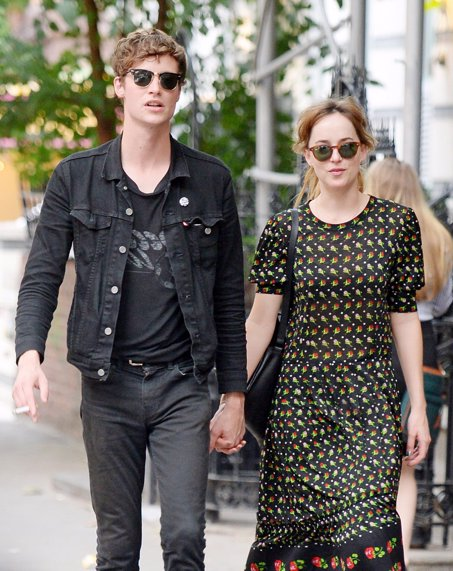 Dakota Johnson y su novio Matthew Hitt, no  Proto