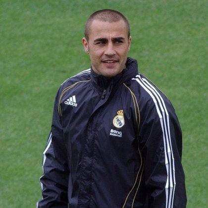 Cannavaro se retira lesionado del entrenamiento tras sufrir una involuntaria entrada de Van Nistelrooy