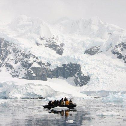 El Ártico podría deshelarse a partir de 2040, durante el verano, debido al cambio climático