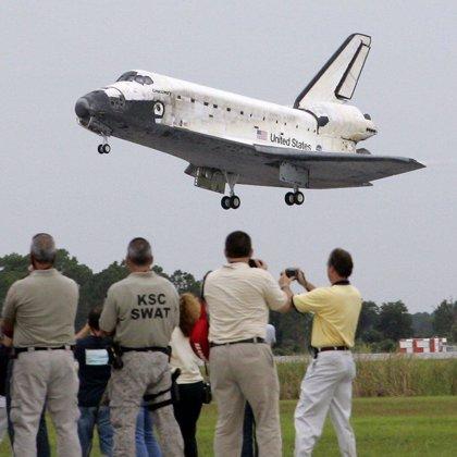 La tripulación del Discovery continúa sus tareas de reparación en la Estación Espacial Internacional