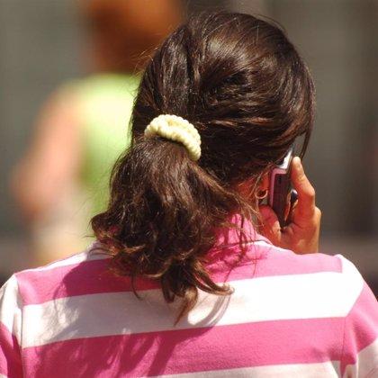 Los móviles exponen a casi toda la población a una radiación electromagnética cercana y directa