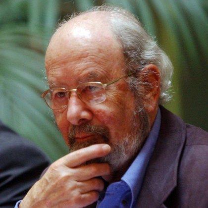 Caballero Bonald presenta en Madrid 'Relecturas.Prosas reunidas (1956-2005)'
