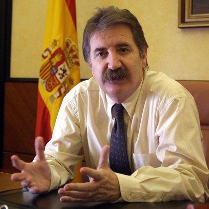 El delegado del Gobierno y el PP asisten el homenaje de la AVT a las víctimas de la Casa cuartel de Zaragoza