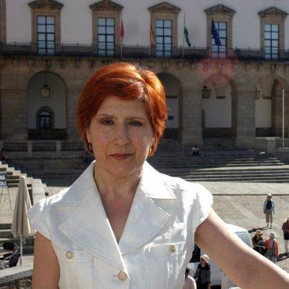 La alcaldesa de Cáceres muestra su apoyo a la nueva Asociación de Jóvenes de la Estación Arroyo-Malpartida