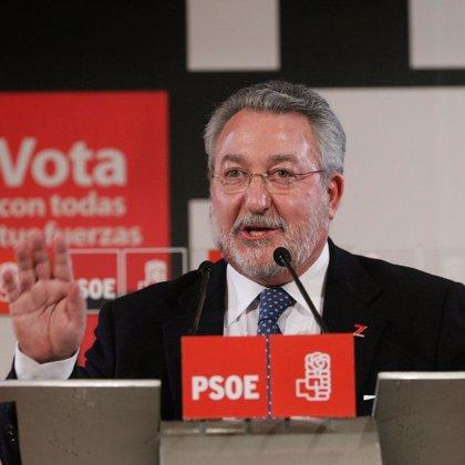Soria promete actuar contra el alcohol adulterado y reducir el IVA de los preservativos
