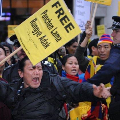 Al menos dos muertos tras abrir fuego la Policía china contra los manifestantes tibetanos en Lhasa