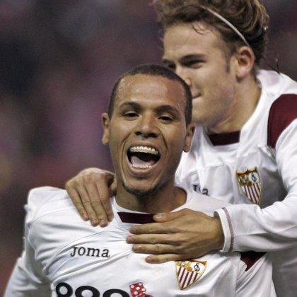 Luis Fabiano sigue como máximo goleador de la Primera División
