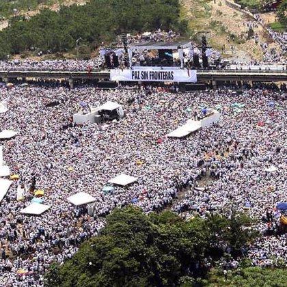 Más de 200.000 personas asisten al llamamiento pacifista del concierto 'Paz sin Fronteras'