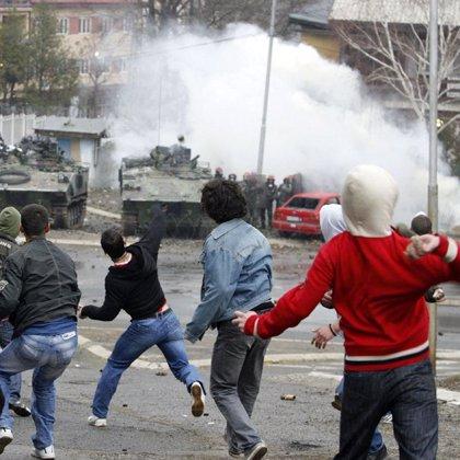 La Policía de la ONU se retira del norte de Kosovo tras violentos disturbios en Mitrovica