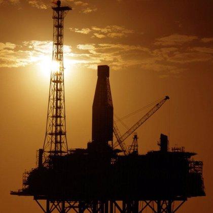 El precio del crudo Texas bate un nuevo récord en 111,8 dólares