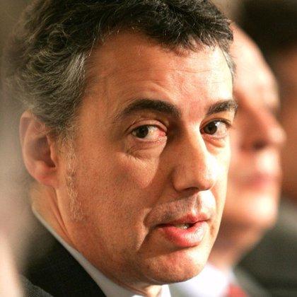 """Urkullu dice que si Zapatero tiene """"verdadera voluntad"""" de acuerdo, considerarían los plazos de la hoja de ruta"""
