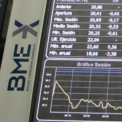 El Ibex 35 pierde un 2,15% a media sesión, arrastrado por el temor a un endurecimiento de la crisis