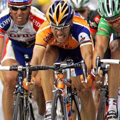 Óscar Freire gana al esprint su segunda etapa en la  Tirreno-Adriático antes de la Milán-San Remo