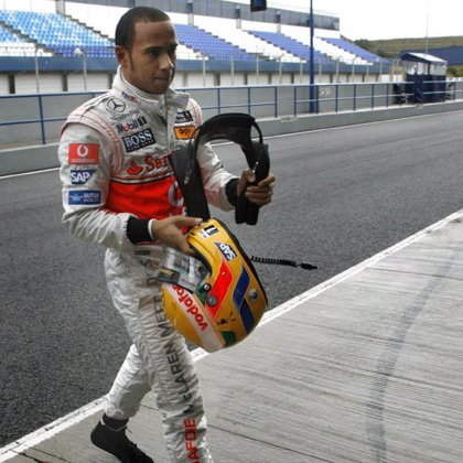 Hamilton y Kovalainen, sancionados cinco puestos por obstaculizar a Heidfeld y Alonso