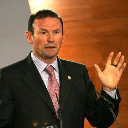 "Ibarretxe denuncia ""la ceguera"" de ETA al atentar contra sedes judiciales"